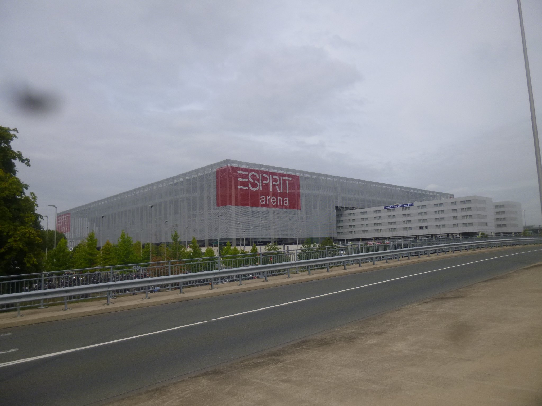 Arena - Rheinseite