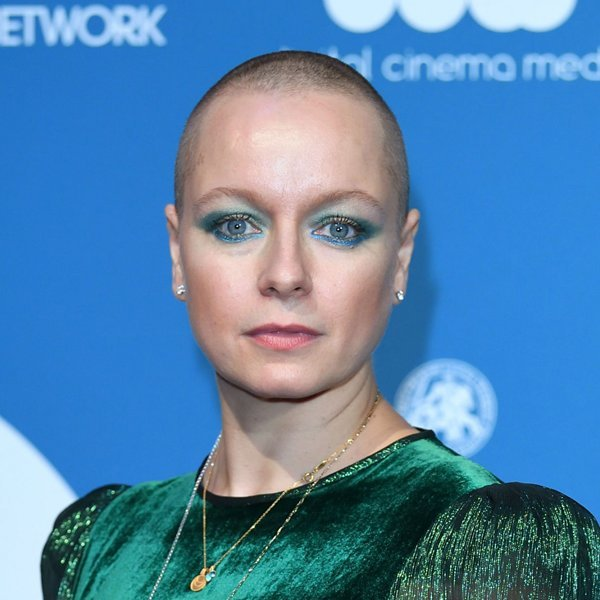 """'The Walking Dead' star Samantha Morton admitted to hospital: """"#WearAMask"""""""