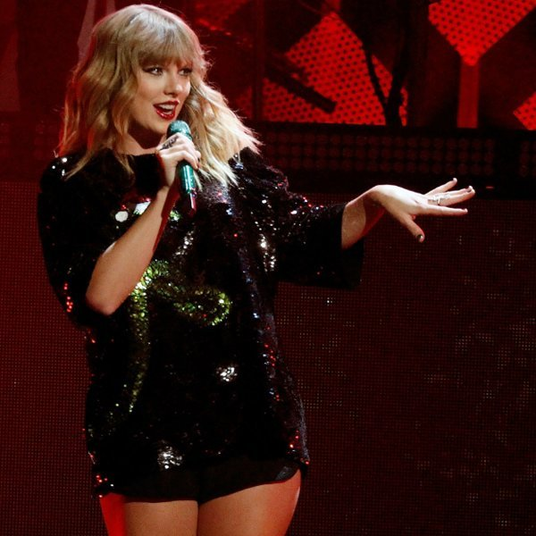 Taylor Swift teases what to expect from her 'Reputation' stadium tour