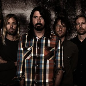 Foo Fighters | Listen and Stream Free Music, Albums, New Releases ...
