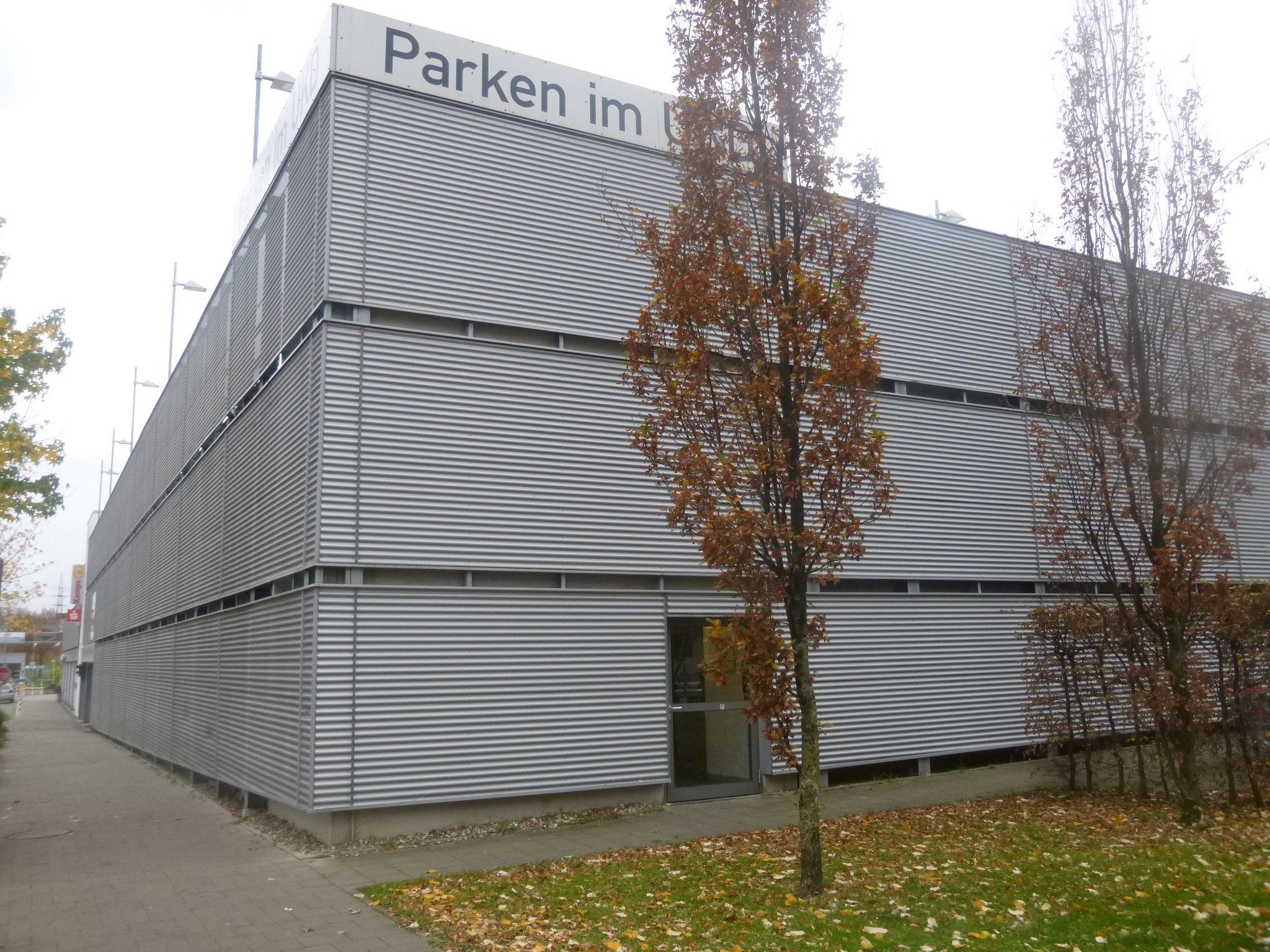 Parkhaus UNI Moorenstr.
