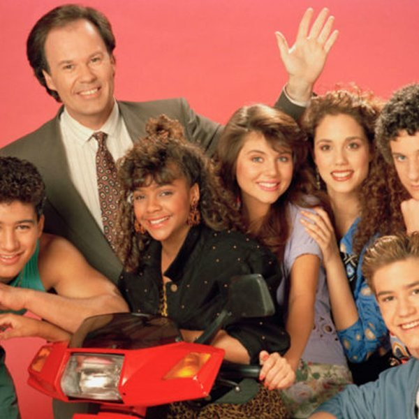 'Saved By The Bell' reboot reunites original cast 30 years on – watch