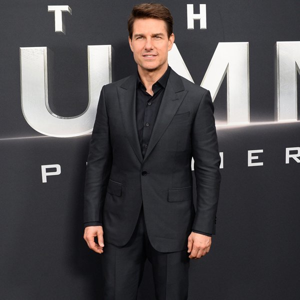 Tom Cruise Jumps Out of Plane 25,000 Feet Up in Death-Defying Stunt for Mission: Impossible – Fallout